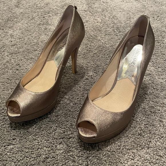 Michael kors pewter heels